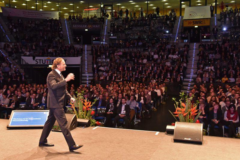 Dirk Zupancic Iauf Bühne bei Speakers Excellence Wissensforum 2015